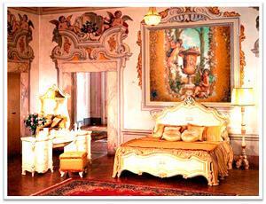 Картины из янтаря в интерьере. Комната в стиле Барокко